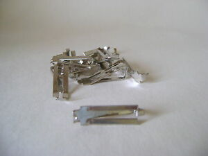 EIGHT SWISS D CLIPS FOR FRAMELESS PICTURE TEST - MAXIMUM THICKNESS 7.5 mm
