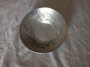 VINTAGE Everlast Hammered Aluminum Bowl Dogwood Floral Design Hand Forged