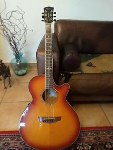 Cort Halbakustik Gitarre