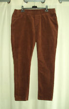 PANTALON VELOURS RAS MARRON /ROUILLE .48/50/52.....Voir mesures