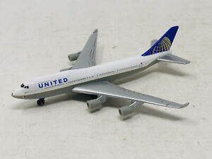 RealToy United Airlines N175UA 1:400 Scale Diecast Model Airplane