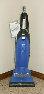 MIELE S7210 TWIST UPRIGHT VACUMM CLEANER - CERULEAN BLUE- Made In Germany