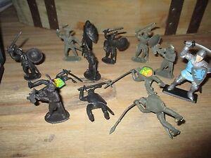 Lot anciennes figurines chevaliers&soldats du moyen age