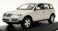 Minichamps 1/43 Scale Diecast 840904107 - Volkswagen Touareg - Silver