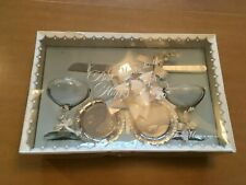 Vintage Toasting Bride and Groom Glasses by Treasure Masters of Derry 1973