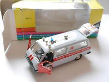 RAF Bus 2203 AMBULANZ AMBULANCE, Radon Novoexport UdSSR USSR CCCP 1:43 boxed!