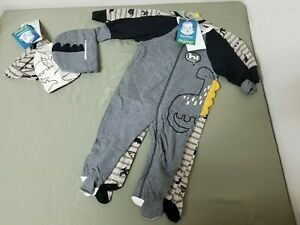 New Gerber Infant 5 Pc. Set. 2 Onesies And 3 Caps.