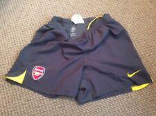 Arsenal Nike total 90 Niños Gris Pantalones cortos Tamaño grande 00's temprano chicos 13/15 años de edad
