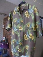 Tommy Bahama 100% Silk Hawaiian Shirt Short Sleeve Floral Print Shirt L