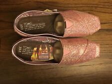 New in Box TOMS  Glitter Classic Slip On Shoe PINK size 6.5