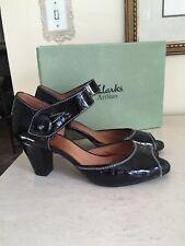 """Clarks Artisan 'Diamond Heart"""" Shoes Sandal Black Patent EUC!"""