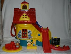 """Vintage Retro Matchbox Shoe House, School + Some Furniture & """"People"""" 1983 Boot"""