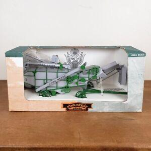 John Deere 1938 28x46 Thresher 1:28 Scale Die-Cast Model, SpecCast In Box