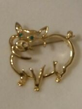 Green Eyes Pig Lapel Pin With Emerald