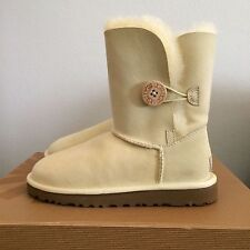UGG Womens 5 (Youth 3) Bailey Button Sheepskin Winter Boots Ivory 5803