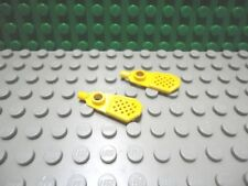 Lego mini figure 2 Yellow snow shoes