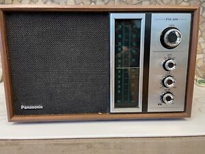Vintage Panasonic RE-6516 AM/FM Wood Cased Tabletop Radio - Works Great