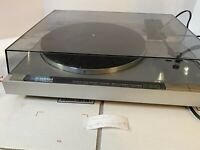 NICE Vintage Yamaha P-200 Stereo Turntable Japan -  Powers See Description