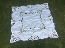 VINTAGE EMBROIDERED SQUARE TABLECLOTH  DETAILED CLOTH  FLOWERS OPEN CUT WORK