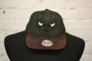 Mitchell & Ness Mens Green Chicago Bulls Adjustable Snapback Cap One Size