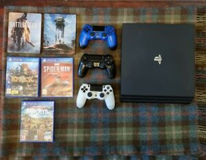 PS4 PRO 1TB Bundle (3 controllers + 5 games)