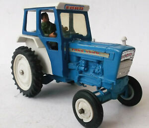 Britains -  Ford 5000 tractor - 1/32 - VGC
