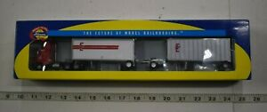 Lot 9-177 * HO Scale Athearn 91150 Edison Express Freightliner w/Two 28' trailer