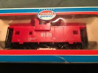 Model Power HO Scale Caboose Red Safety 9125 - In Box