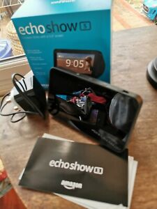 Amazon Echo Show 5 - Black - lightly used excellent condition
