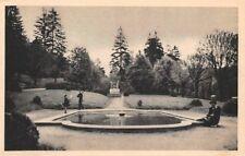 BOURGOIN - le jardin de ville et sa pièce d'eau -