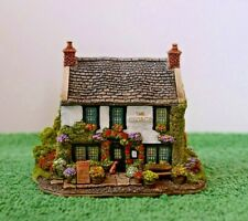 """Lilliput Lane Cottages L3351 """"The George at Castleton"""" Mib with deed."""