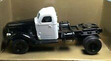 Ertl International :1947 KB12 Tractor 1/43