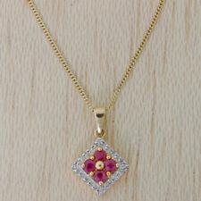 Collar de joyería con gemas de oro amarillo de rubí