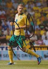 NORWICH: MICHAEL TURNER SIGNED 6x4 ACTION PHOTO+COA