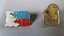 LOVE SOMEBODY  BEAR AND HUG ME! BEAR  COLLECTIBLE LAPEL LOT OF 2 PIN