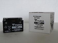 BATTERIE SYM 125 GTS  - YTX9-BS  YUASA AVEC L'ACIDE YTX9BS