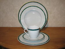MITTERTEICH *NEW* THERESE VERT Set 3 assiettes + 1 tasse avec soucoupe