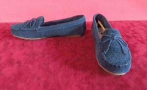 Minnetonka Blue Suede Leather Moccasin Slip On Shoes Size 8 Hard Sole