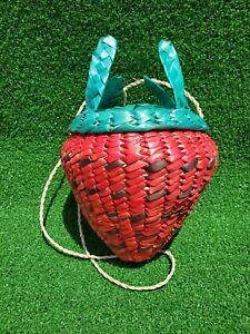 RED STRAWBERRY WICKER SHOULDER BAG
