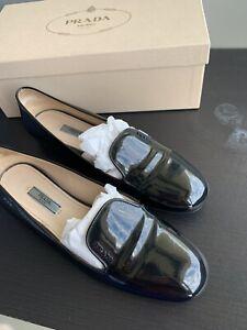 ".""PRADA"" Signature Logo Loafer/39EU   Beautiful Classic Designer Shoes. Used"