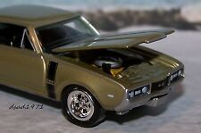 1968 68 OLDSMOBILE 442 COLLECTIBLE DIECAST MODEL 1/64 SCALE DIORAMA OR DISPLAY