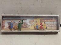 Vintage Walter Merten tourist figurines box 818