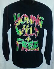 RUE 21 MEN'S BLACK YOUNG WILD & FREE PRINTED LONG SLEEVE SHIRT - SMALL
