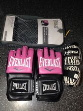 Everlast MMA Womens Pro Style Grappling Gloves Sm/Med  Wrist Wraps