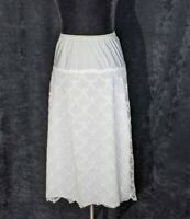 Vtg 1950s BARBIZON Silky Half slip Bright white scalloped lace midi Tafredda S