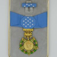 Cased US USA Badge Order Congressional Medal of Honor MOH Air Force Replica