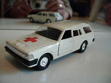 Sakura Nissan Cedric Break Medic in White