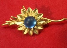 Unknown Makers Mark   Gold tone sunFlower with A blue Bud - Brooch pin