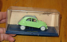 Tintin Car from Book La Citroen 2cv 1949  with Dupont  Brothers Figures