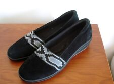 WOMEN'S GRASSHOPPERS 9.5M BLACK suede feel WEDGE SHOES 2 TONE GRAY INDIAN TRIM